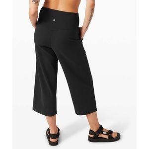 Lululemon High Rise Align Wide Leg Cropper Capri Pants Black